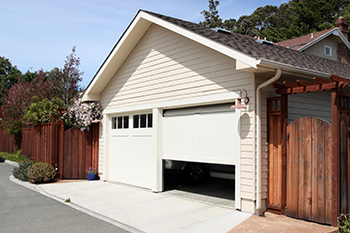 Garage Door Mobile Service Repair Milwaukee, WI 262-299-9323